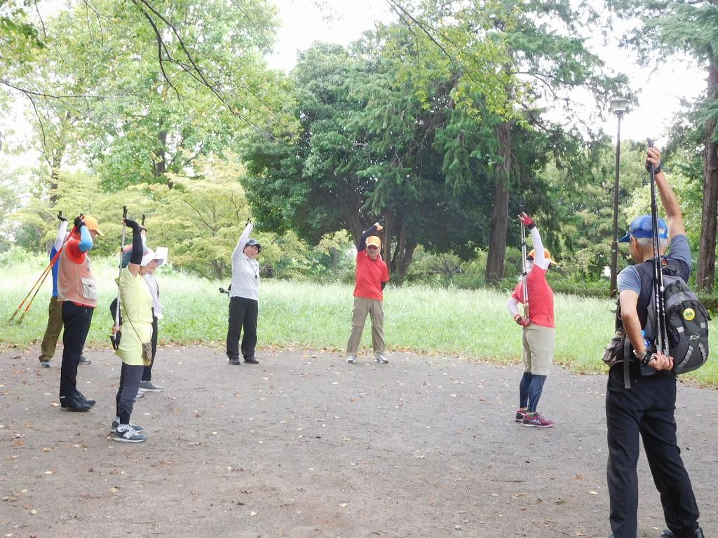 二班は市ヶ尾町公園でクールダウン 帰宅途中のHさん2度目のクールダウン