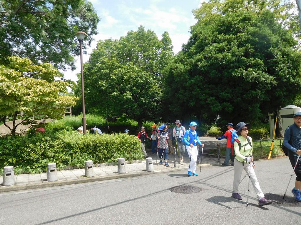 猿田西公園の遺跡見学して江田駅へ