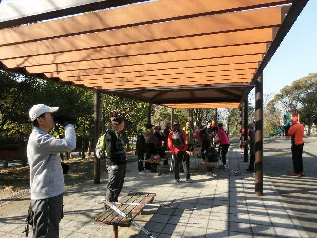 鶴蒔公園で水分・糖分補給