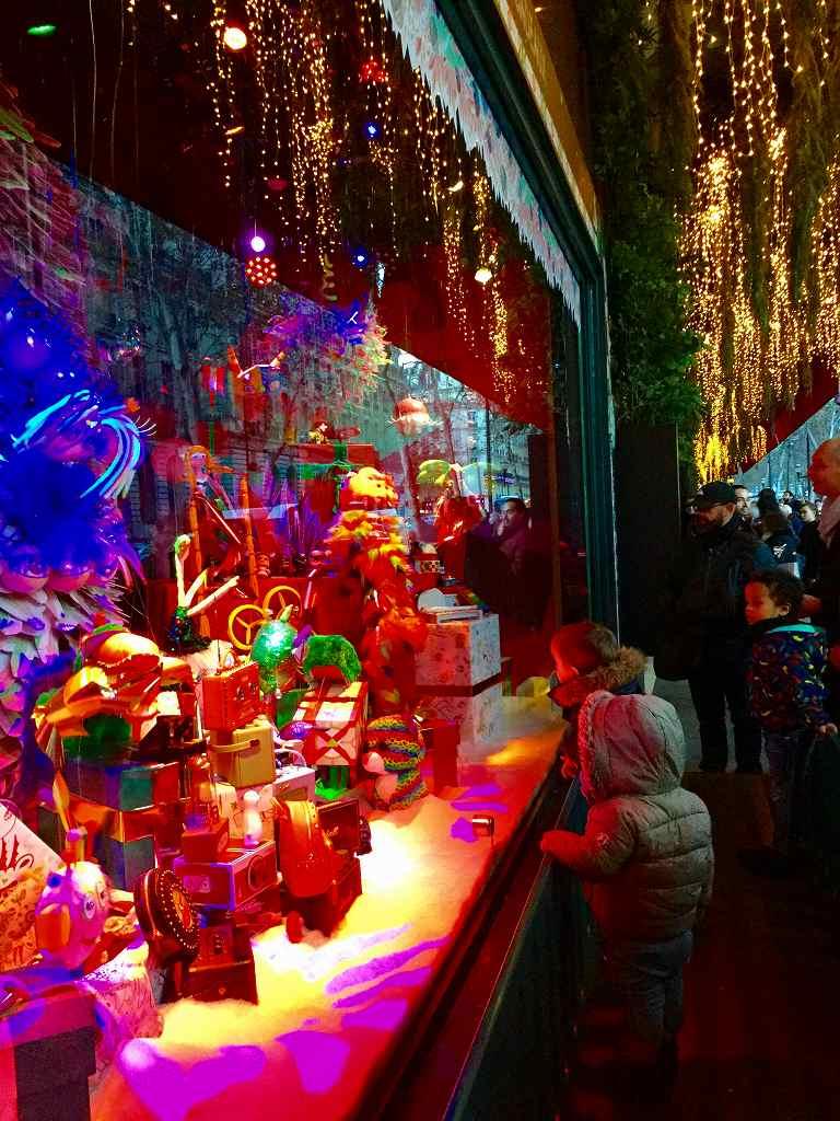 クリスマスのウィンドウ