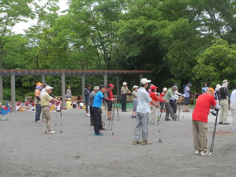鴨志田公園でクールダウン 周りには幼稚園児・保育園児が一杯