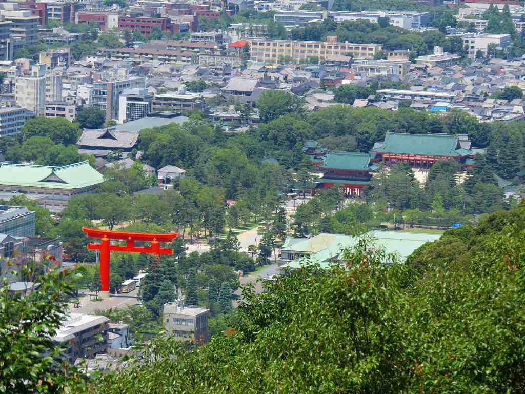 清龍殿の舞台から眺めた平安神宮