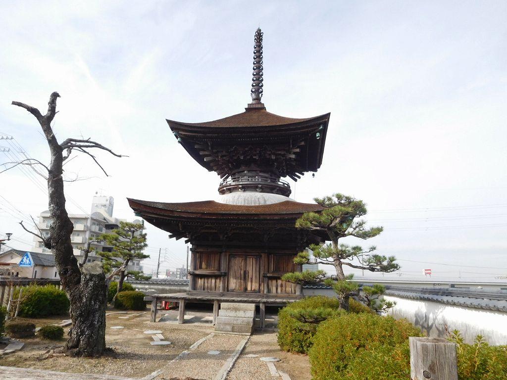 1535年足利末期に建立された多宝塔