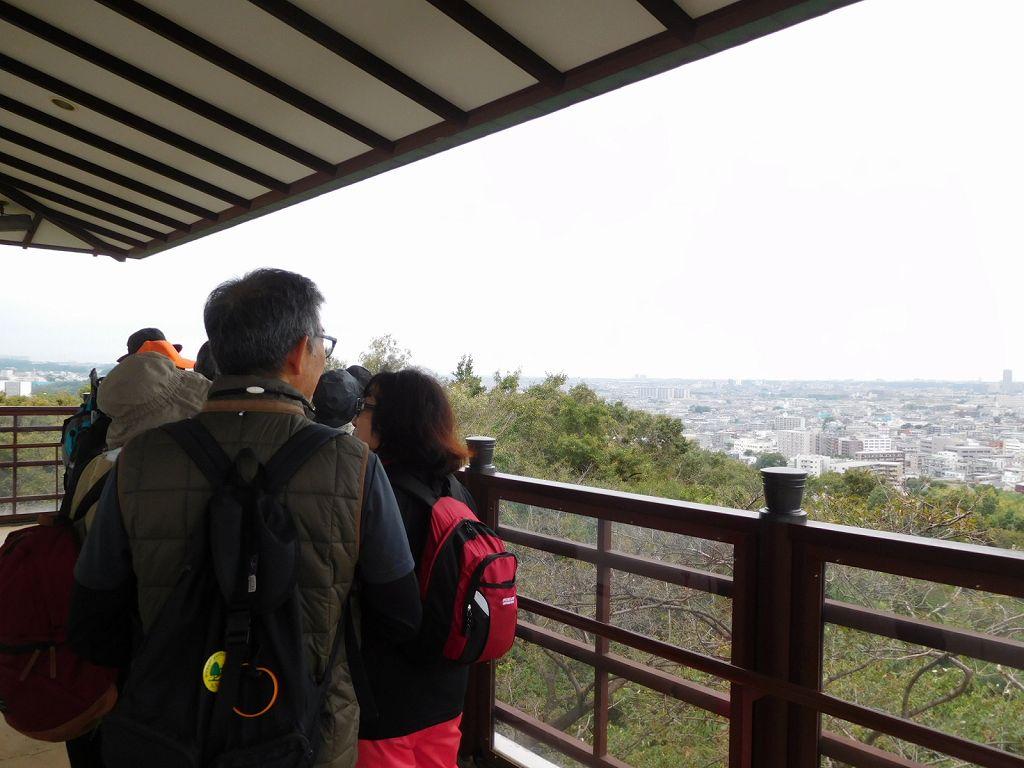 桝形山展望台 残念ながら曇りのため眺望は今一つ
