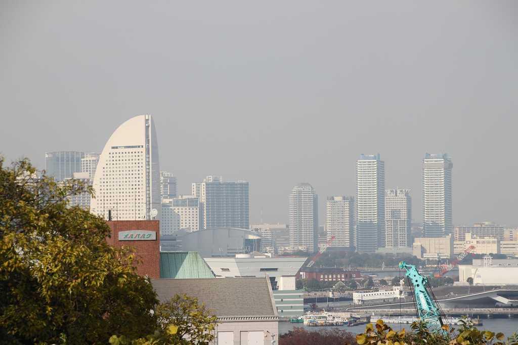 同じく港の見える丘公園からの 横浜ランドマークタワー周辺の景観
