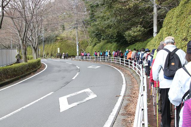 競輪場を過ぎて小田原高校前をウォーキング