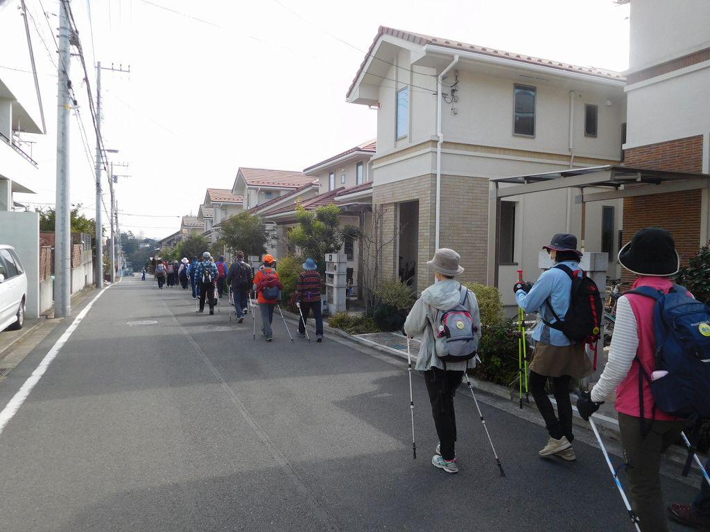 某商社独身寮跡に建設された戸建て住宅地を歩く