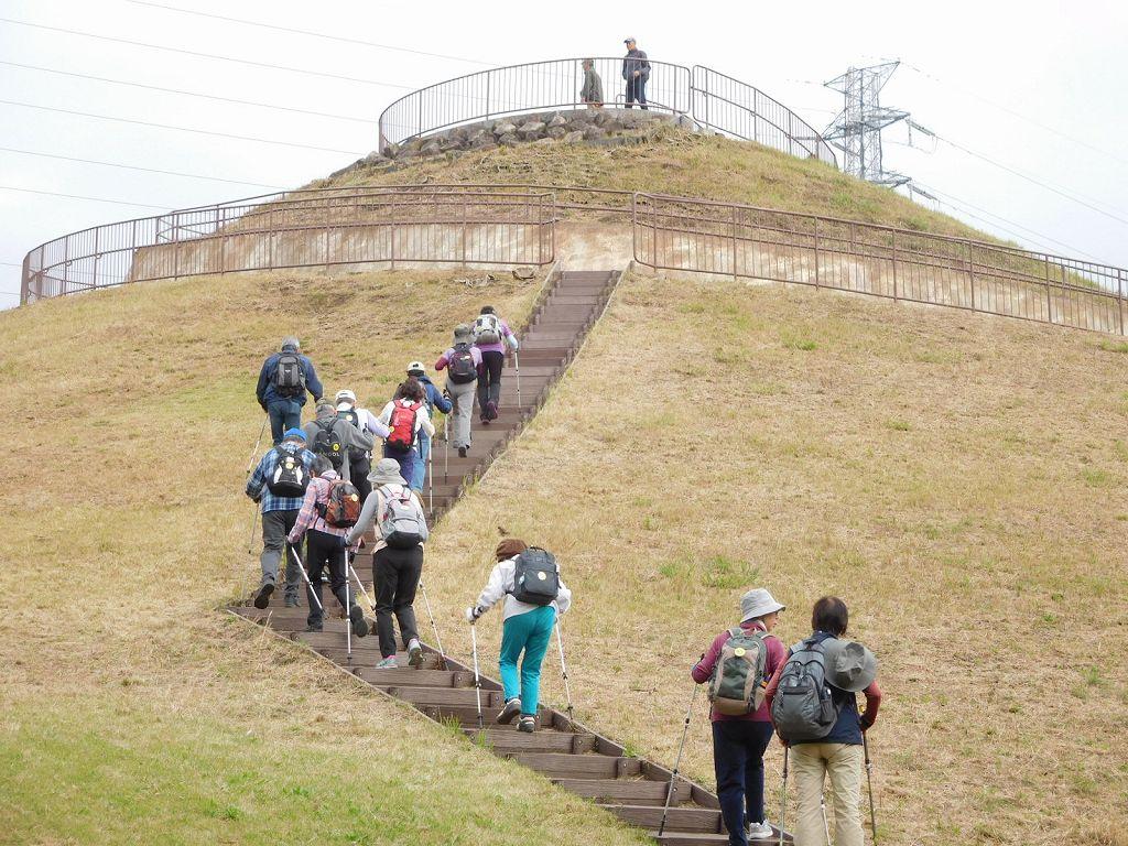 川和富士を登る
