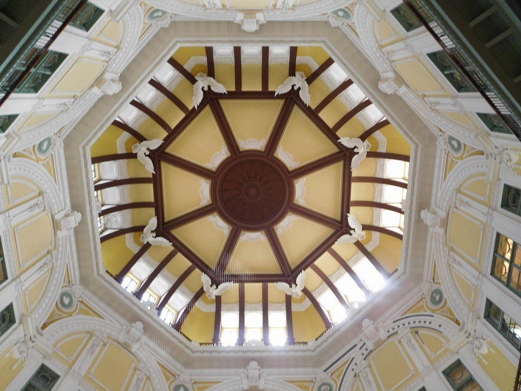 同上 ドーム天井の十二支の干支の内8+4ががある。探してみて下さい