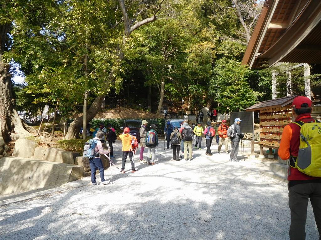 神社裏側にも白山社・山王社・天満社もあります