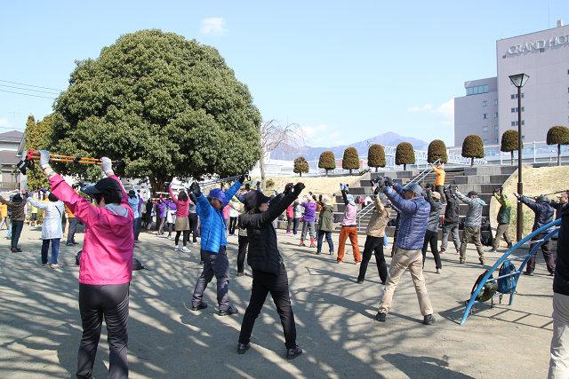 秦野駅近くの大上公園でオリエンテーション・ウォーミングアップ