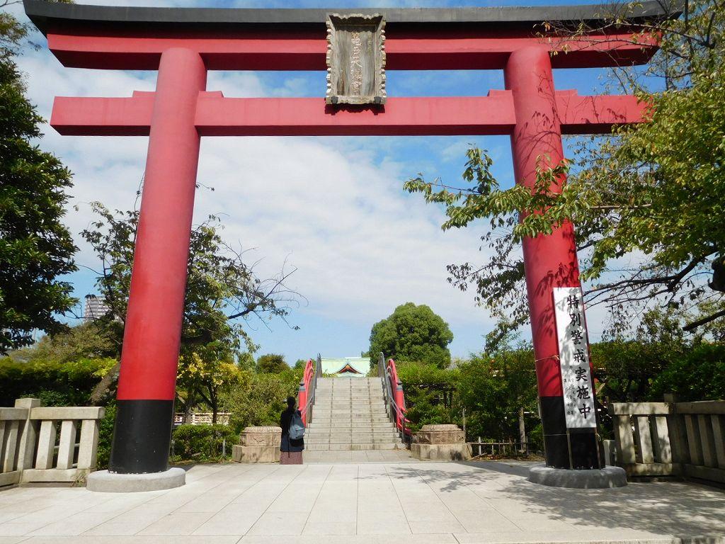 亀戸天神 梅・富士・菊祭には多くの人で賑わう