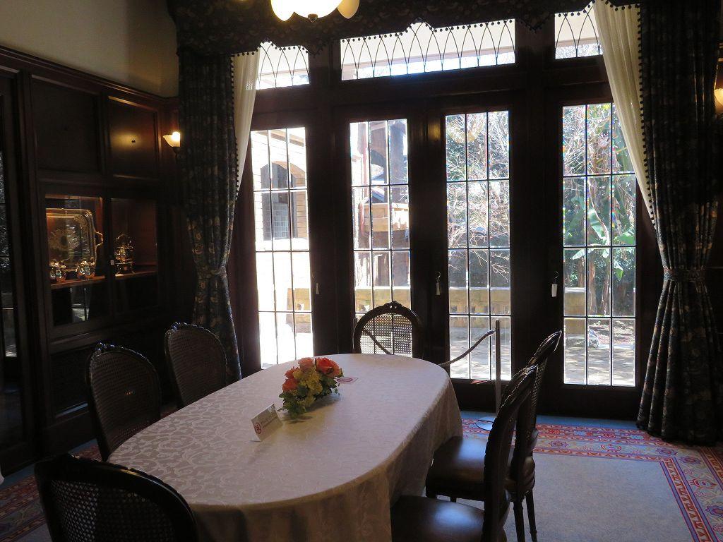 家族の夕食用の小食堂