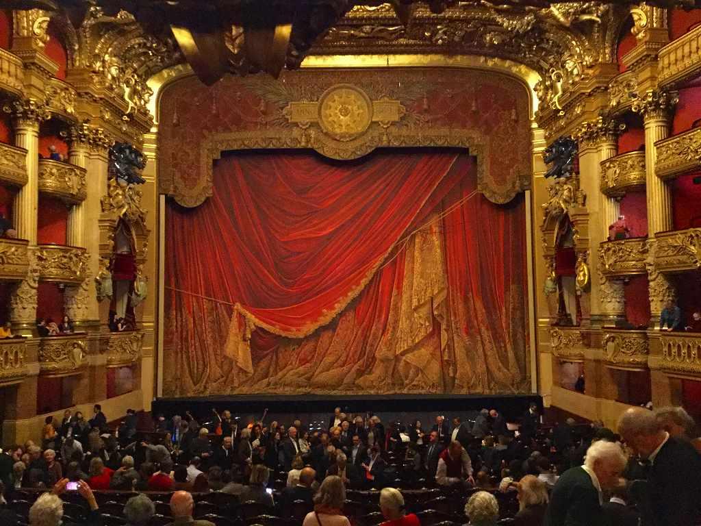 オペラ座ロイヤルボックスからの舞台