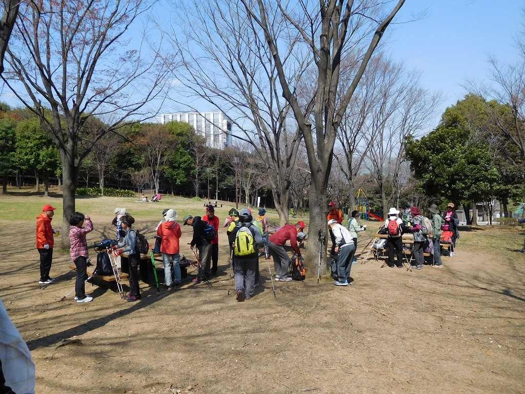 荏田猿田公園で水分補給・糖分補給