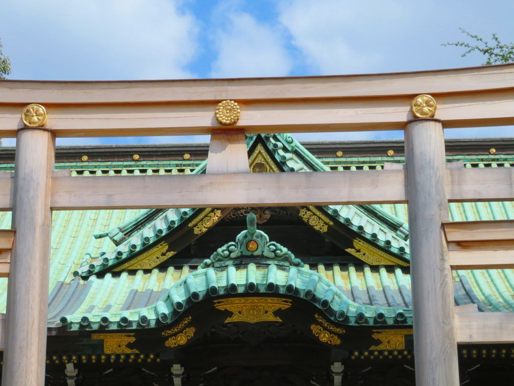 牛島神社の菊の御紋鳥居
