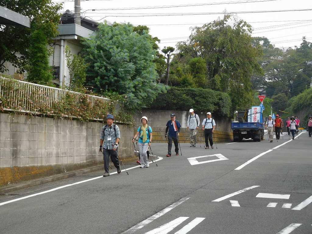 荏田町の住宅街をウォーキング