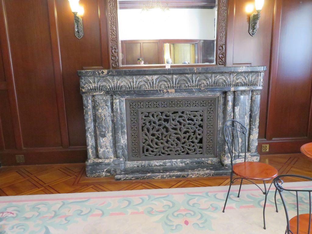 マントロピースは各部屋によって異なる意匠