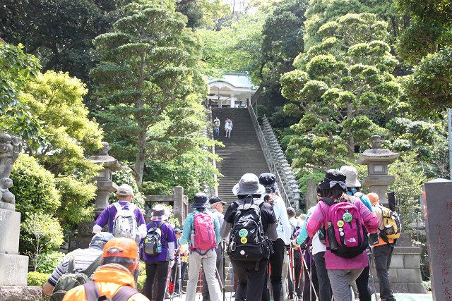 この階段登り 108段です