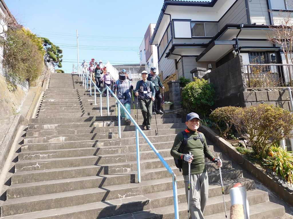 黒須田川沿道に降りる