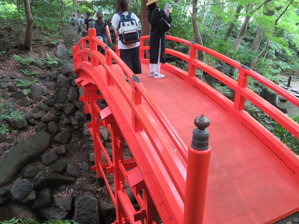 京都東山の通天橋を模したもの