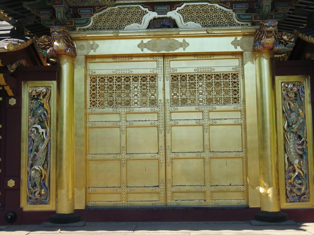 上野東照宮 唐門には登り龍と下り龍が両側にいる
