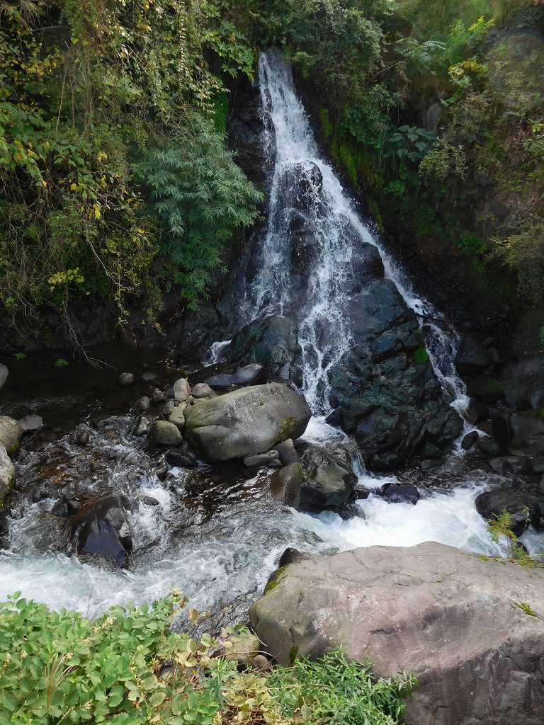 だるまの滝 意外と低い滝です