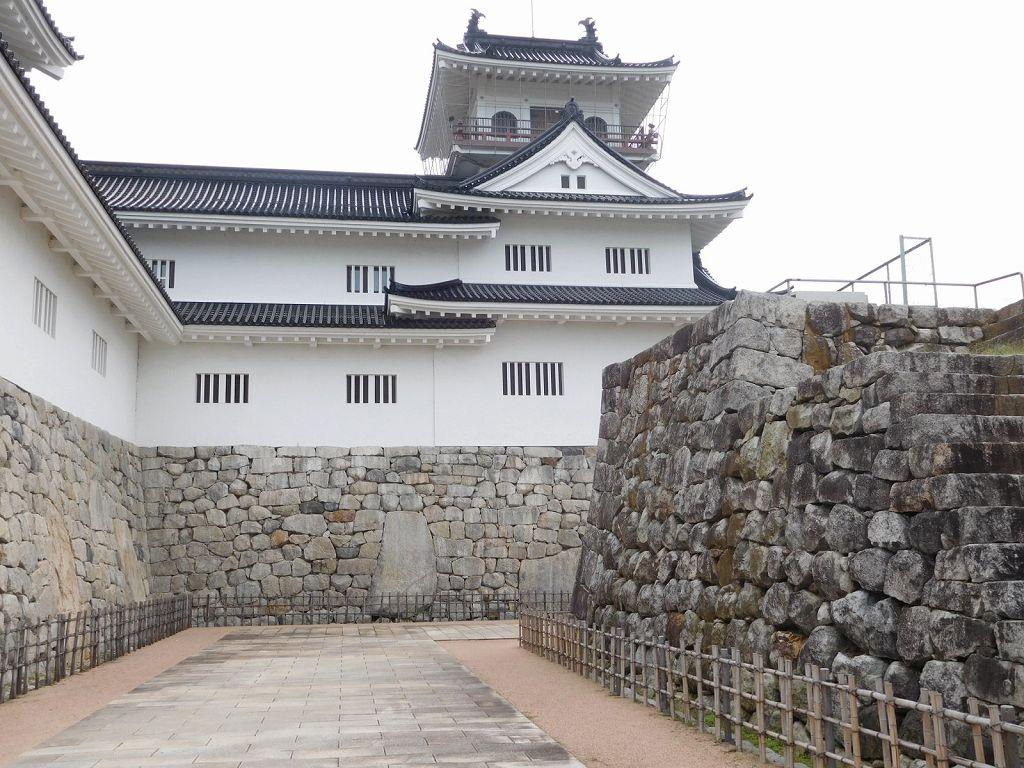 同上 鉄御門桝形の鏡石