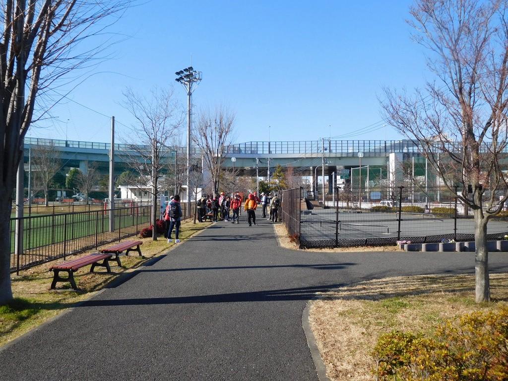 谷本公園で歩幅測定 皆さん歩数を数えながら真剣に歩いてました