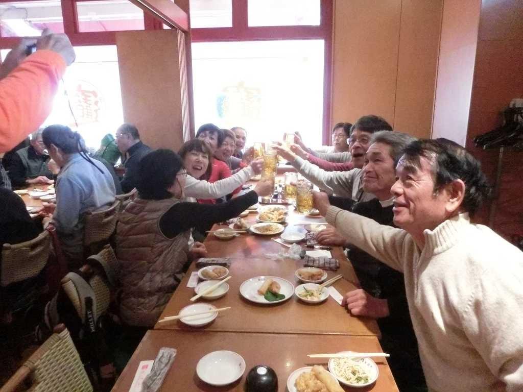 女性の多いテーブルでも乾杯!!