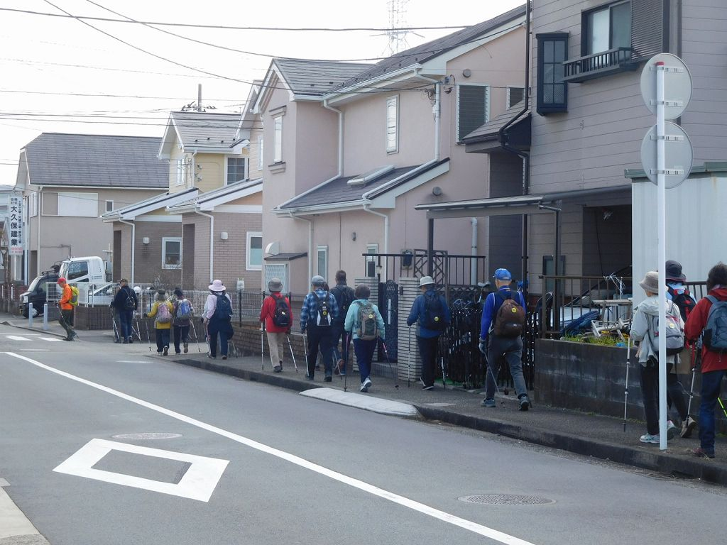 荏田南3丁目付近の住宅地を歩く