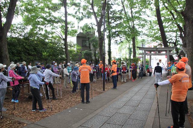 東急自由が丘駅 近所の熊野神社でクールダウン・解散