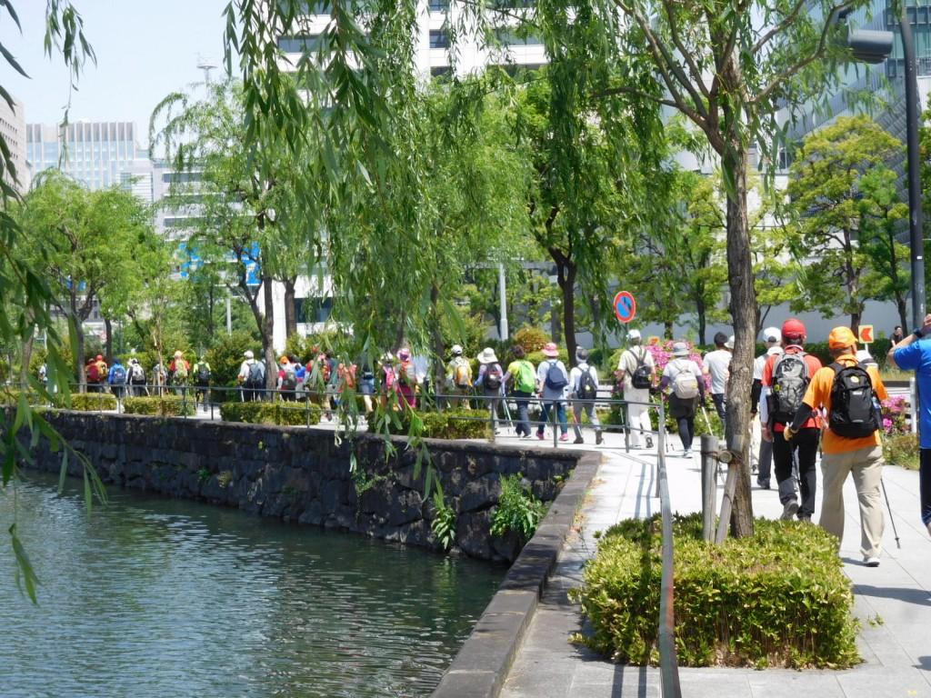 竹橋駅付近をウォーキング