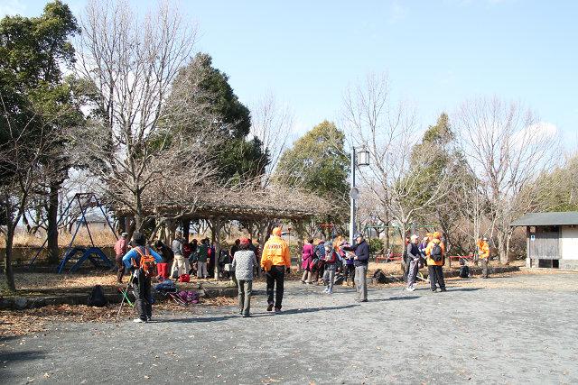 田島ふれあい広場で休憩・観梅
