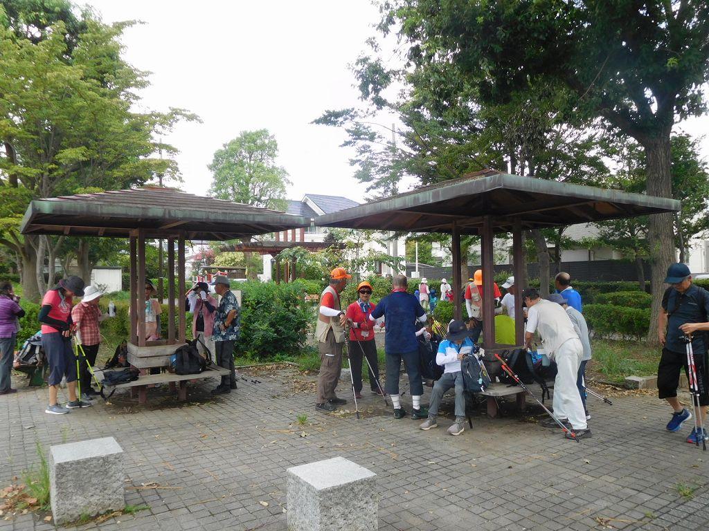 泉公園に到着 ショートカットした二班と合流しました