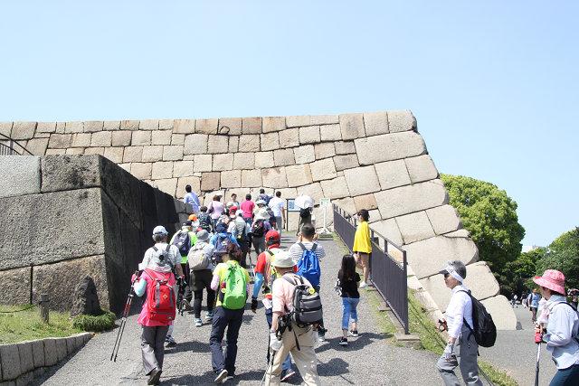 東御苑 天守台の大きな石垣