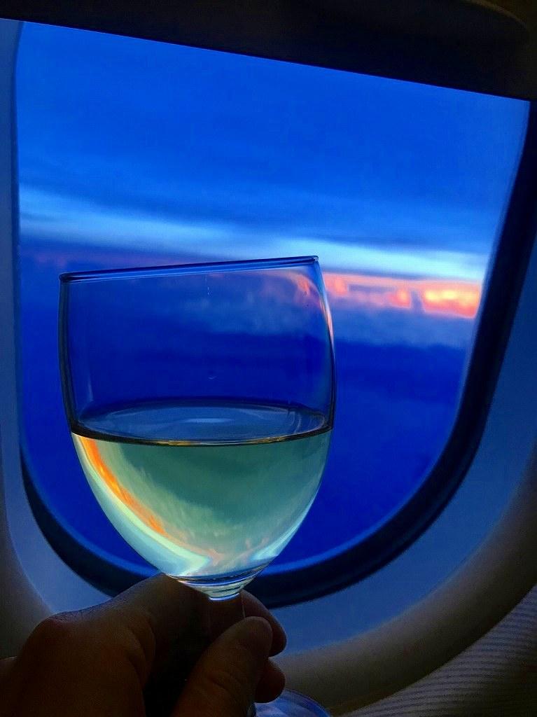 旅立ちはいつも白ワインで乾杯