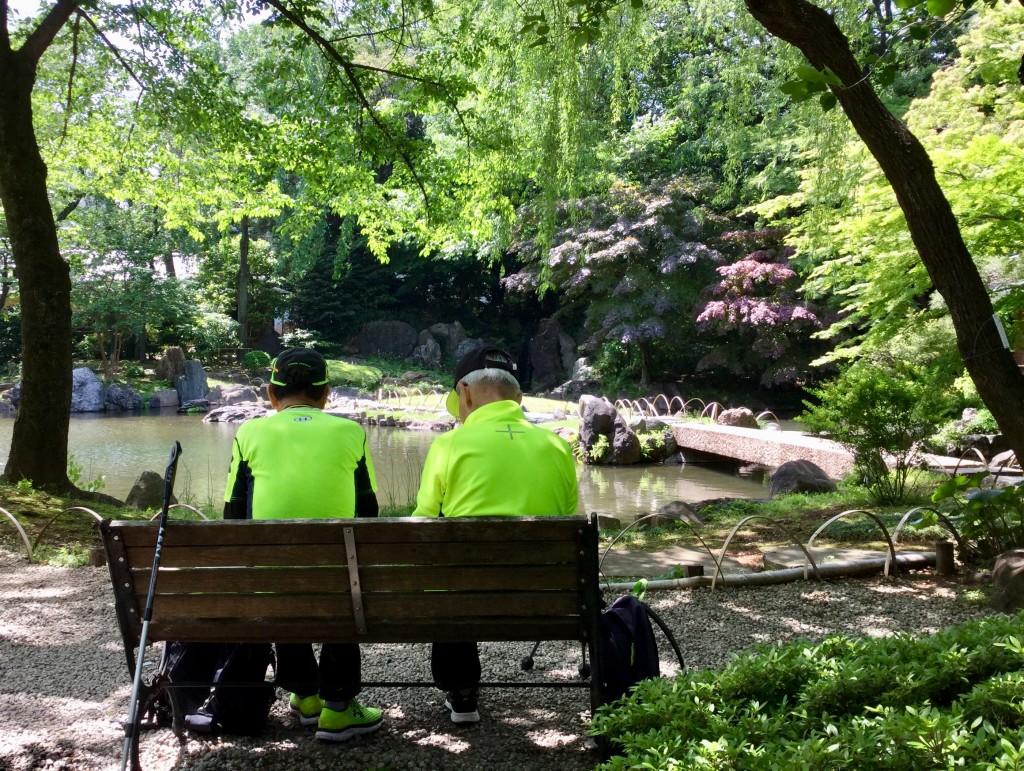 「緑陰の友情」最強のふたり・・・ ANW最高齢者86歳大学からのつきあい