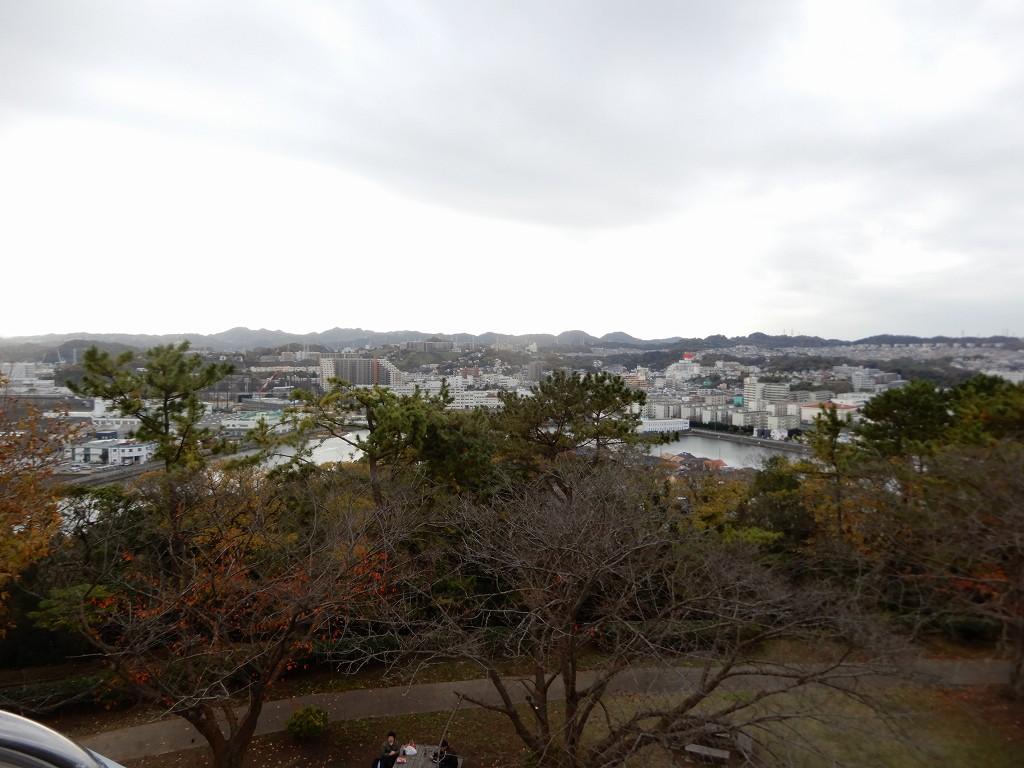 晴れて居たら遠く富士山も見えるのに残念