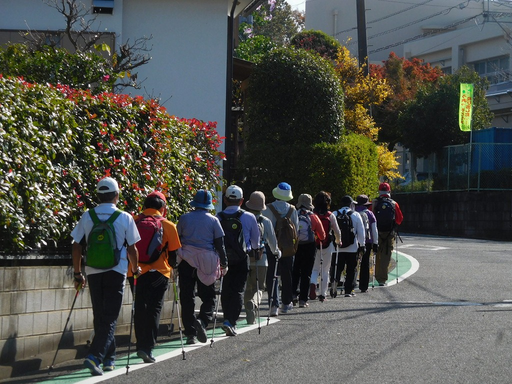 荏子田住宅街を歩く