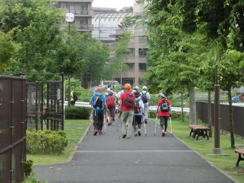 谷本公園でウォーミングアップしてスタート