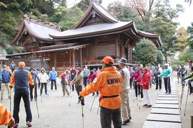 由緒ある瀬戸神社でオリエンテーシン・ウォーミングアップ