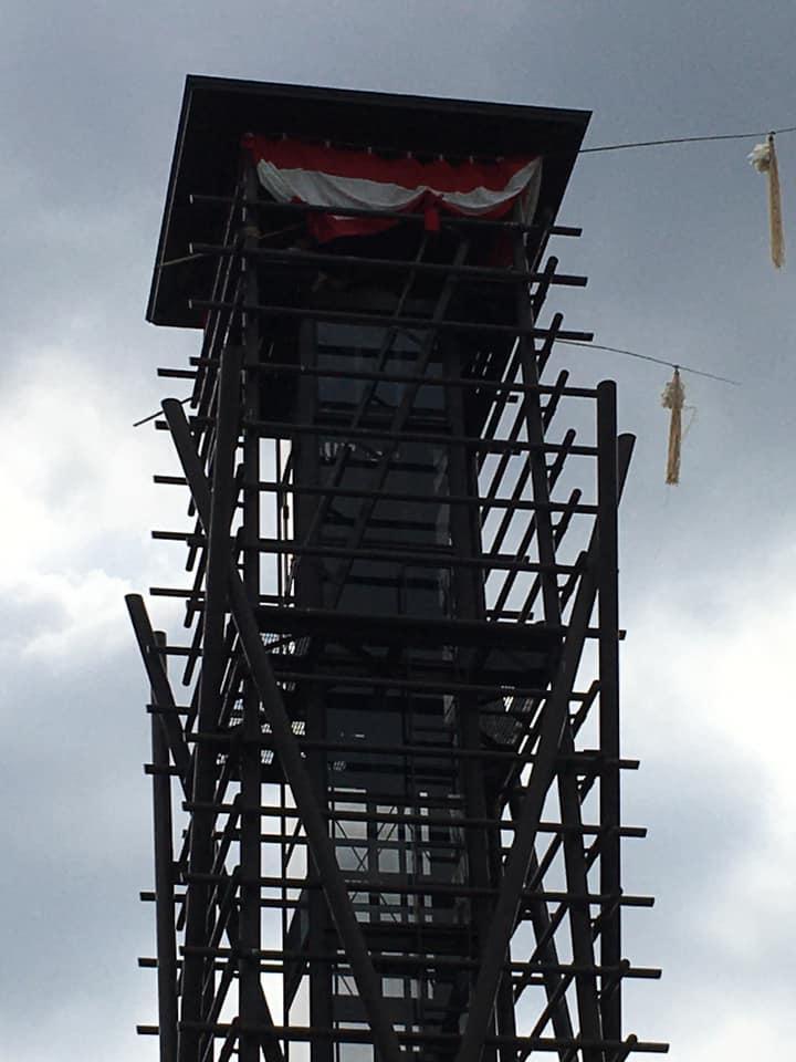 エレベーター付きの常設櫓