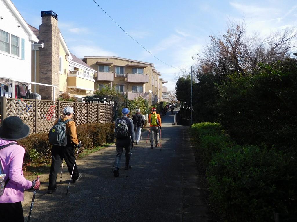 荏田南地区の住宅街を歩く