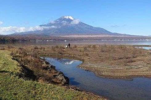 水たまりにも「逆さ富士」が見られました