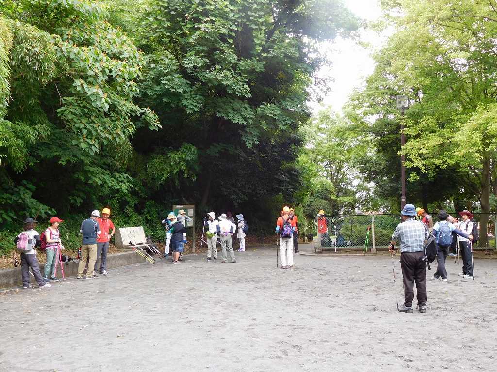 本日1回目の遺跡公園での休憩