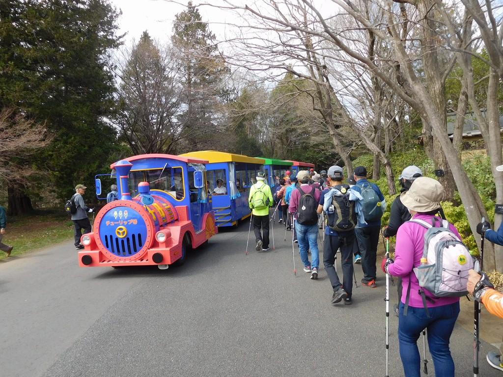 本日は園内周遊バスも乗車している人は少ないです