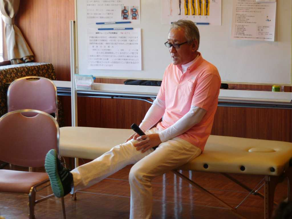膝痛予防のストレッチ