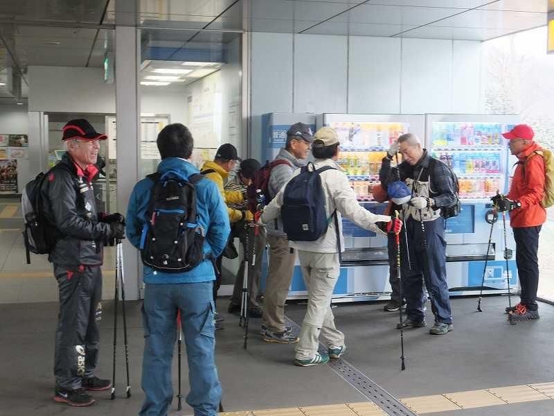 川和駅でトイレ休憩・飲料水の確保