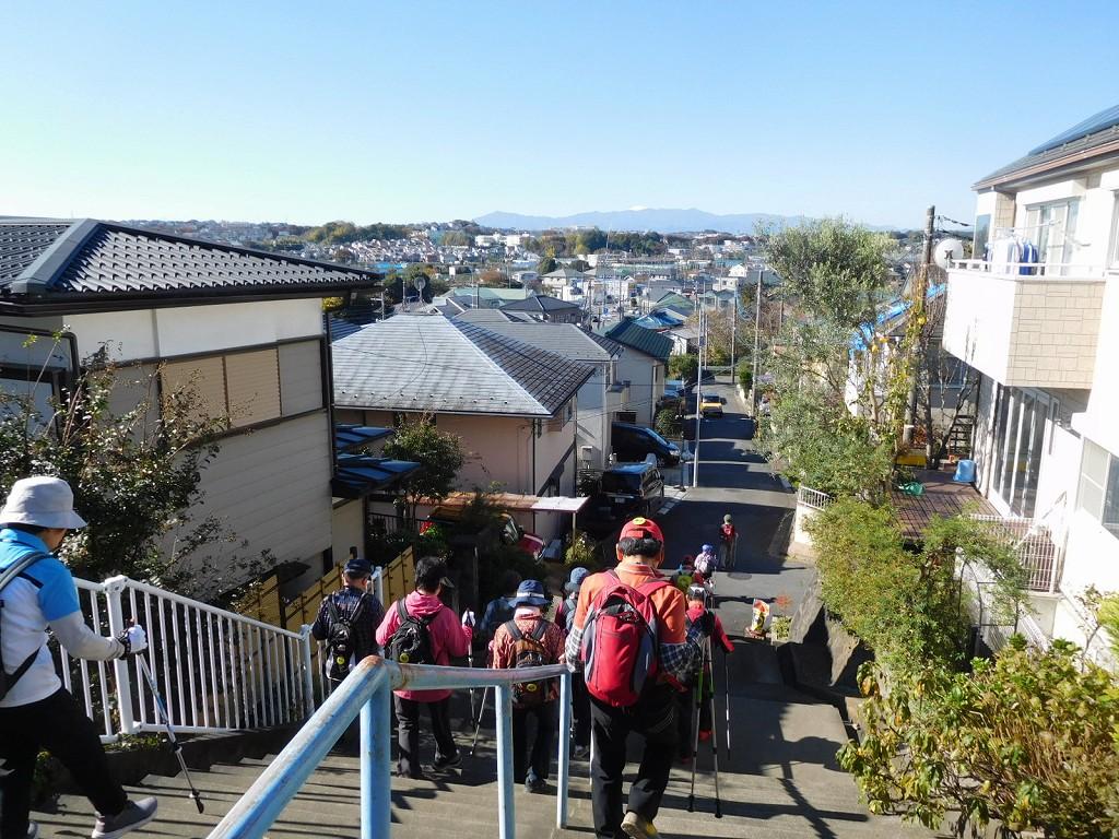 大場町の階段の先にも富士山が見えます